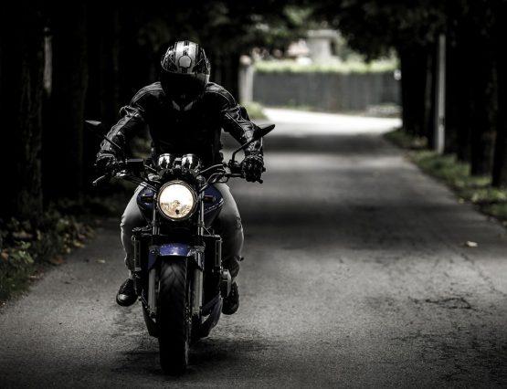 La correcta presión de los neumáticos de una moto
